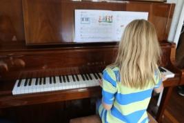 Lucia at Music Club